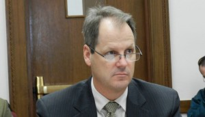 Senate President Bill Cadman (R).