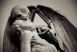 El beso de la muerte.
